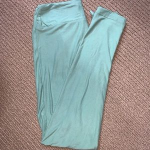 Lularoe OS Solid Mint Green Leggings